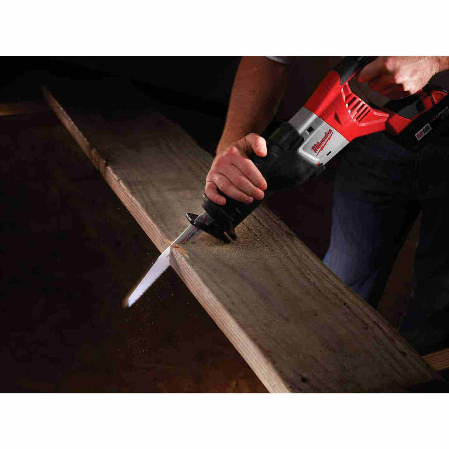 Milwaukee Sawzall M18 18 Volt Lithium-Ion Cordless Reciprocating Saw Kit Image 2